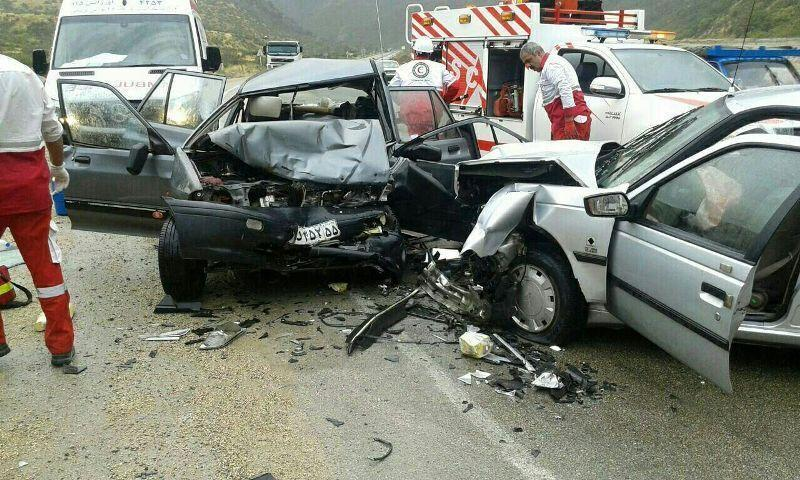 خبرنگاران تصادف در جاده ازنا اراک دو کشته و یک زخمی بر جا گذاشت