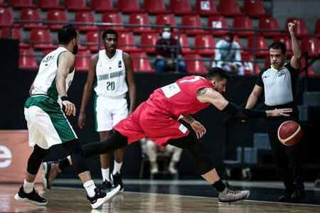 بازی پر اشتباه بسکتبال ایران مقابل عربستان ، گبر ستاره زمین شد